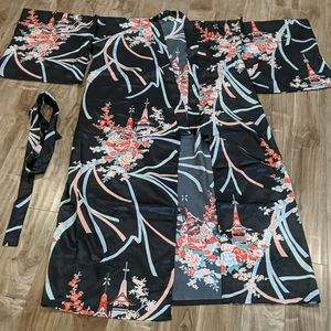 NWOT Authentic Japanese Floral Yukata